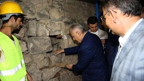 Başbakan Yıldırım Diyarbakır Sur'da incelemelerde bulundu