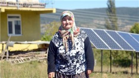 Almanya'da gördüğü güneş panellerini, Sinop'taki evine kurdurdu