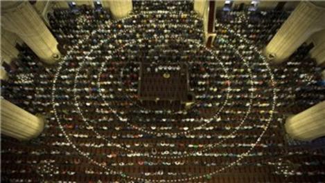 Selimiye Camisi, bayram namazında doldu taştı!