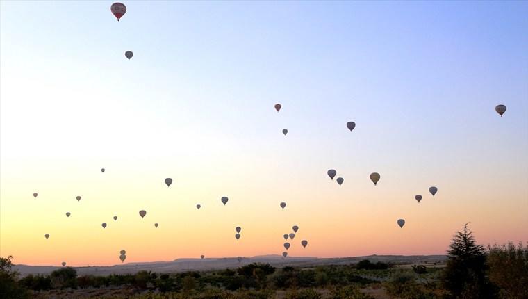 Bayramın ilk gününde Kapadokya balonları havalandı!