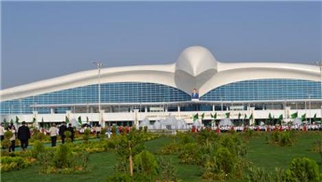 Aşkabat'ta yeni uluslararası havaalanı kompleksi açıldı