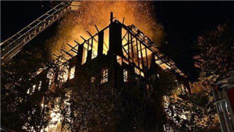 Safranbolu'da tarihi konak yandı!