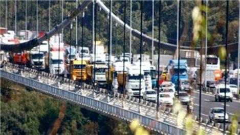 Kamyoncular, 3. Köprü yerine FSM'den ceza ödeyerek geçiyor!