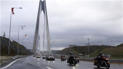 Motor tutkunları Yavuz Sultan Selim Köprüsü'nden geçti