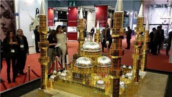 Çamlıca Camisi'nin 'altın'dan maketini yaptılar
