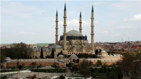 Edirne'de 27 tarihi yapının bakımı devam ediyor!