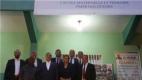Gine'deki 5 FETÖ okulunu Türkiye Maarif Vakfı devraldı