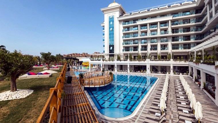 Manavgat'taki 5 yıldızlı otelde turistler içindeyken haciz!
