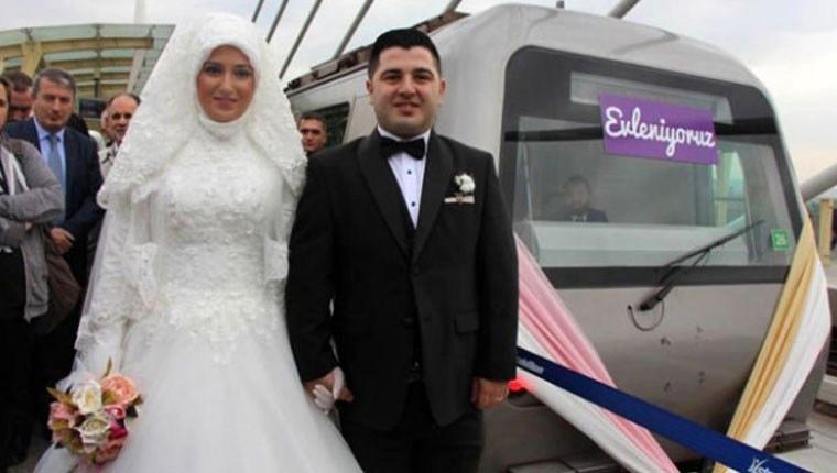 Metro istasyonunda ilk nikah kıyıldı