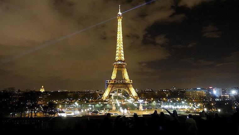 Paris'e giden turist sayısı 1,8 milyon kişi azaldı