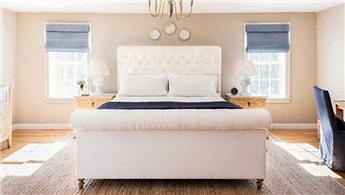 Huzurlu zamanlar için sade yatak odası dekorasyon fikirleri