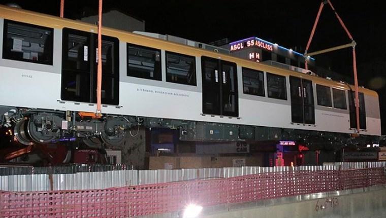 Üsküdar-Çekmeköy metrosunun vagonları raylara indi