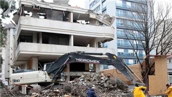 Kadıköy'de bina yıkımı!