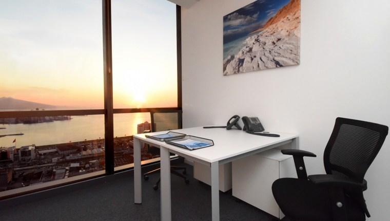 Ofis çalışanları manzaralı masa istiyor!