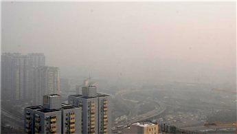 Çin'deki hava kirliliği ulaşımı engelledi!