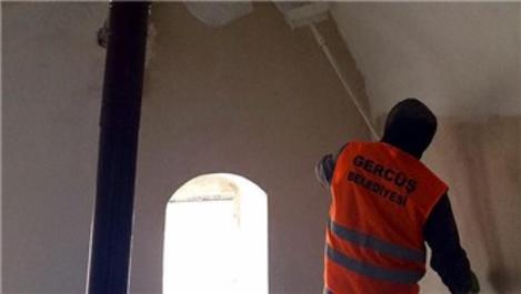 Köy camileri boyanıyor!