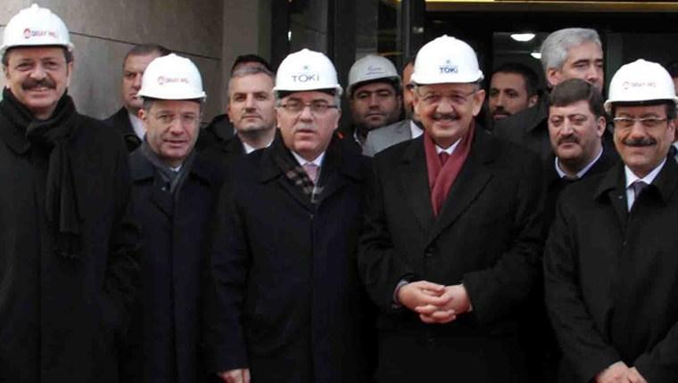 Mehmet Özhaseki, Diyarbakır TOKİ evlerini inceledi
