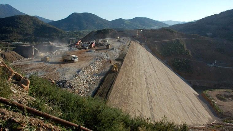 Alaköprü Barajı sebebiyle köyü taşınana çilek arazisi verilecek