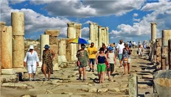 Türkiye turizm geliri yüzde 29.7 oranında azaldı