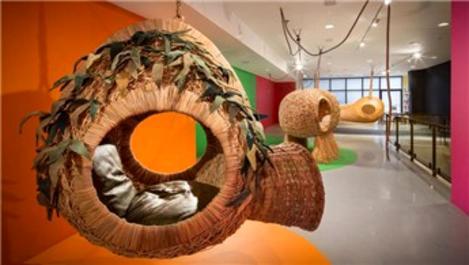 Kuru otlardan oluşturulan mobilyalar, izole yaşam sağlıyor