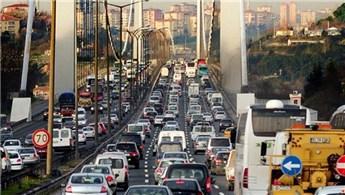Köprüde çıldırtan trafiğin altından deney çıktı!
