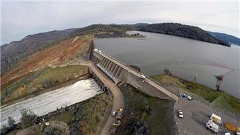ABD'de delinen baraj havadan görüntülendi!