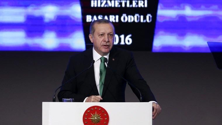 Cumhurbaşkanı Erdoğan, Türk müteahhitlere ödüllerini verdi