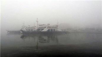Çanakkale Boğazı'ndaki yoğun sis ulaşımı etkiledi