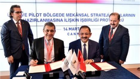 Bakan Özhaseki ile İbrahim Çağlar protokol imzaladı