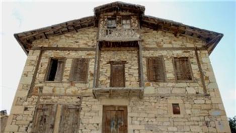 Tarihi Bayburt evleri restorasyonla korunacak