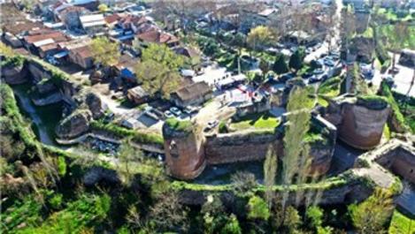 İznik'teki 2 bin yıllık surların restorasyonu başladı
