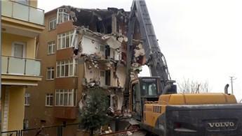 Kocaeli'de inşaat çalışmaları yüzünden toprak kayması!