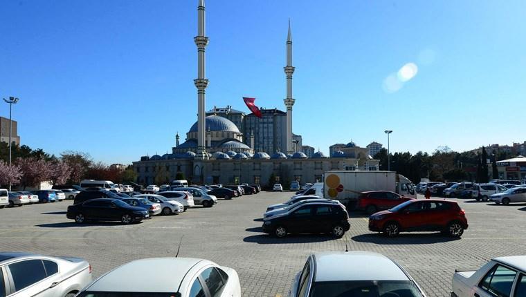 FSM Camisi otoparkının geliri Kızılay'a bağışlanacak!