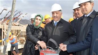 Bakan Ahmet Arslan'dan Tendürek'e tünel müjdesi