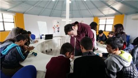 AGT, YGA projesi ile gençlere destek veriyor!