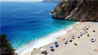 Antalya'nın 'mavi bayrak'lı plajları diğer illeri solladı!
