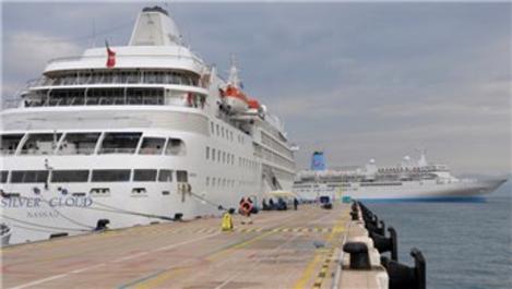 Kuşadası Ege Ports Limanı'na 4 bin 237 turist geldi