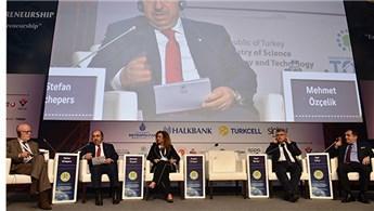 Mehmet Özçelik, 2. Dünya İnovasyon konferansına katıldı