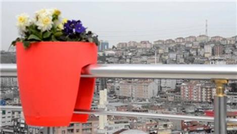 Kent Bahçeleri Projesi, balkonları renklendiriyor