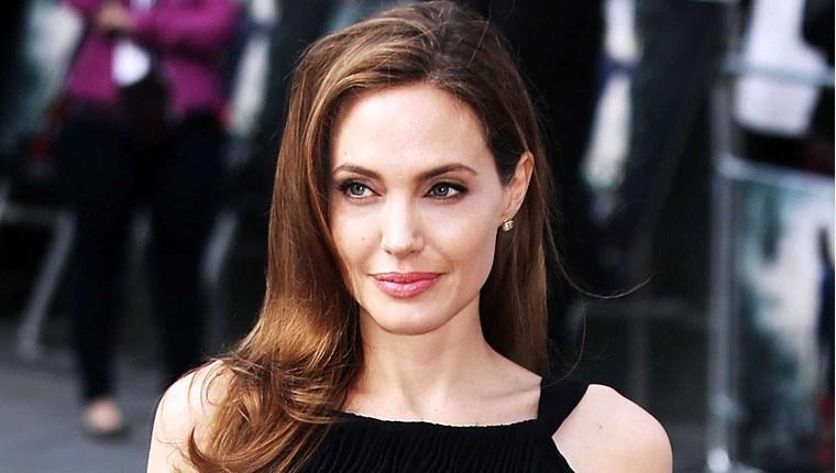 Angelina Jolie, Los Angeles'tan 25 milyon dolara ev aldı