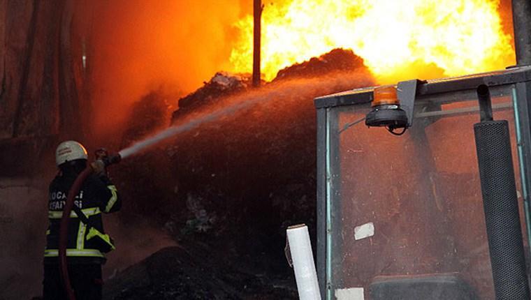 Gebze'de hurda geri dönüşüm tesisinde yangın!