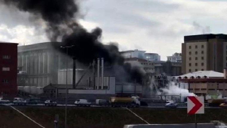 İstanbul'da yağ deposunda yangın!