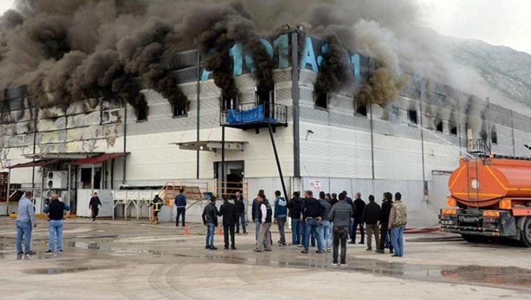 A101'in Tokat'taki bölge deposunda yangın