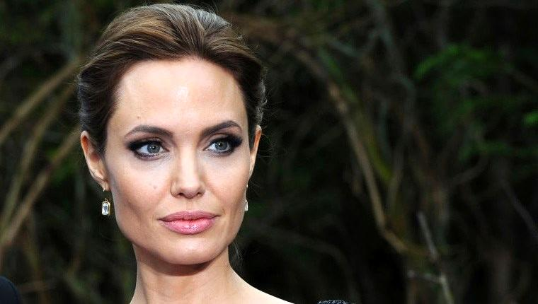 Angelina Jolie, yeni evi için 20 milyon doları gözden çıkardı
