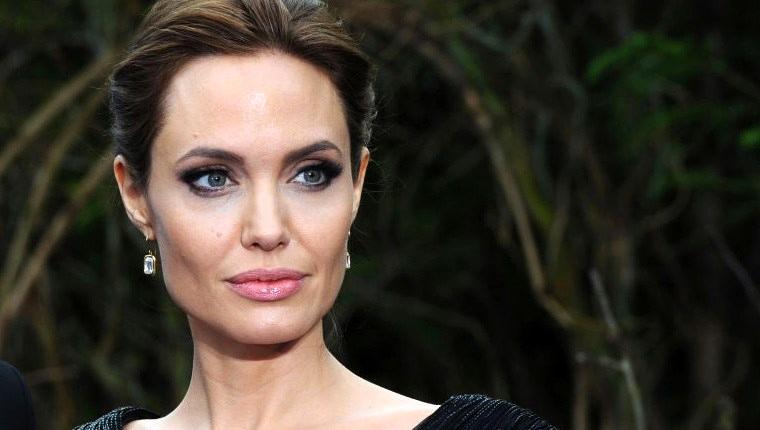 Angelina Jolie, yeni evi için 20 milyon dolar ödeyecek