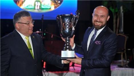 Köksal Ünal, Türkiye Bölge Ortakları Toplantısı'nda ödül aldı!