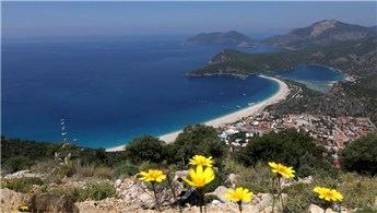 İngiliz köşe yazarından Türkiye'ye tatile gidin çağrısı!
