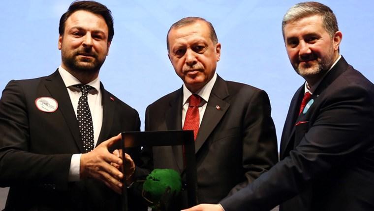 Cumhurbaşkanı Erdoğan'dan Hüseyin Samut'a plaket!