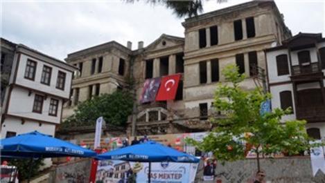 Bursa'daki tarihi Trilye Taş Mektep restore ediliyor