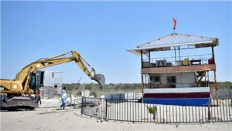 Akdeniz kıyılarındaki kaçak yapıların yıkımı başladı